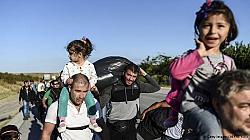 По 300 кандидат-бежанци изчезват от лагерите в България седмично