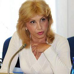 Тадаръкова забърка чутовен скандал в Москва заради Ванга