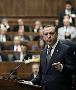 Ердоган проповядва демокрация с ислямско лице