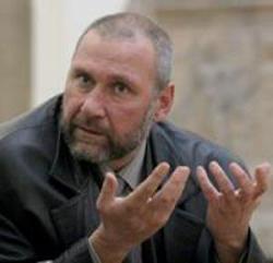 Проф.Овчаров: Оставете на мира гроба на Левски!
