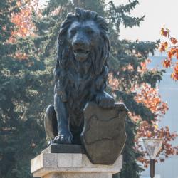 Последно: Няма спор с Гърция за лъва пред НДК